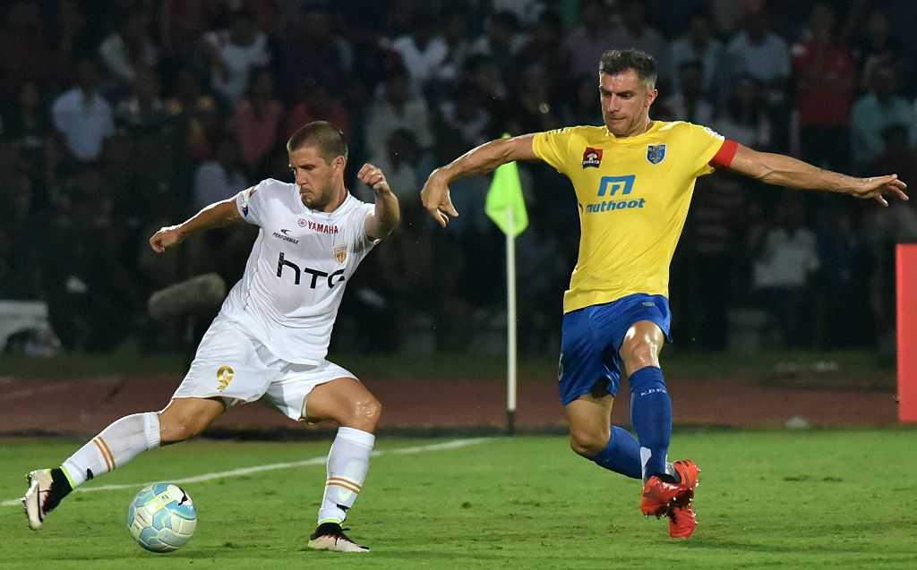 Aaron Hughes, Kerala Blasters FC